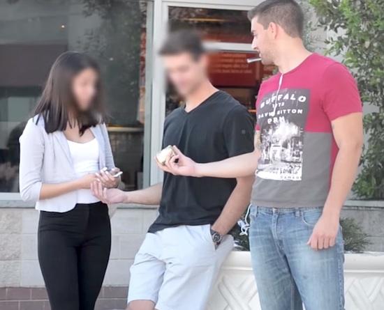 русский продал свою девушку