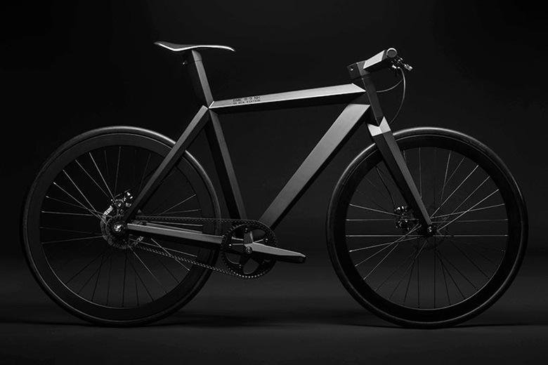 Zeer brute handgebouwde 39 black edition 39 urban stealth for Minimalistische fiets