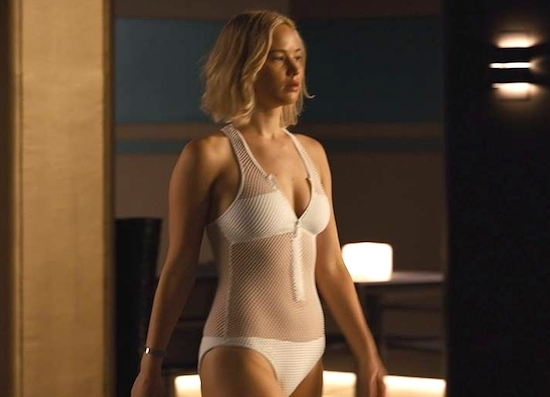 Jennifer Lawrence In Bikini Verdrinkt Bijna In Sneak Peak