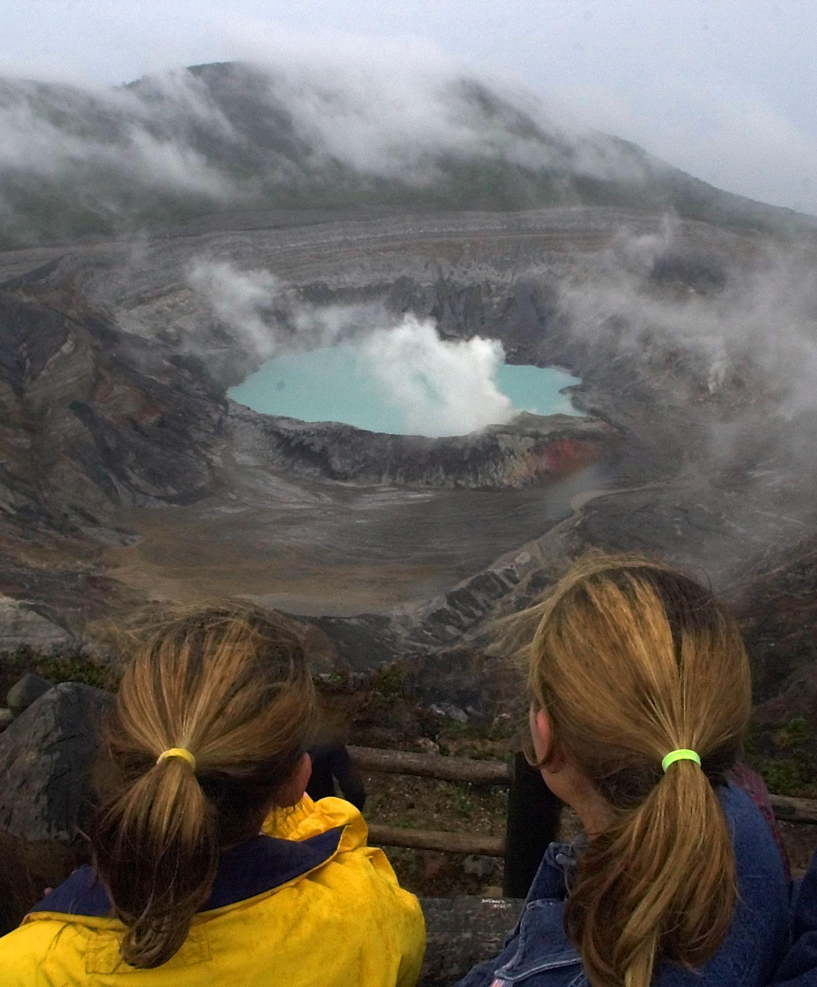 Costa Rica-Machtige vulkanen en veel wilde dieren die op je pad komen, je moet het zelf bezoeken. (AP Photo/Kent Gilbert)