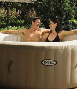 FHM-Aldi hot tub