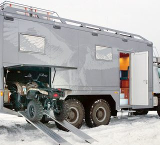 FHM-Mercedes-Benz Zetros