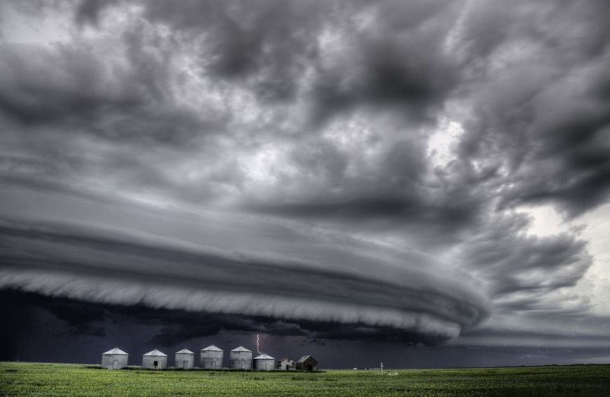 Major Shelf Cloud Saskatchewan. (Photo And Caption By Mark Duffy / National Geographic Travel Photographer Of The Year Contest)