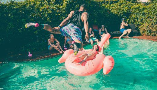 FHM-Plassen in zwembad
