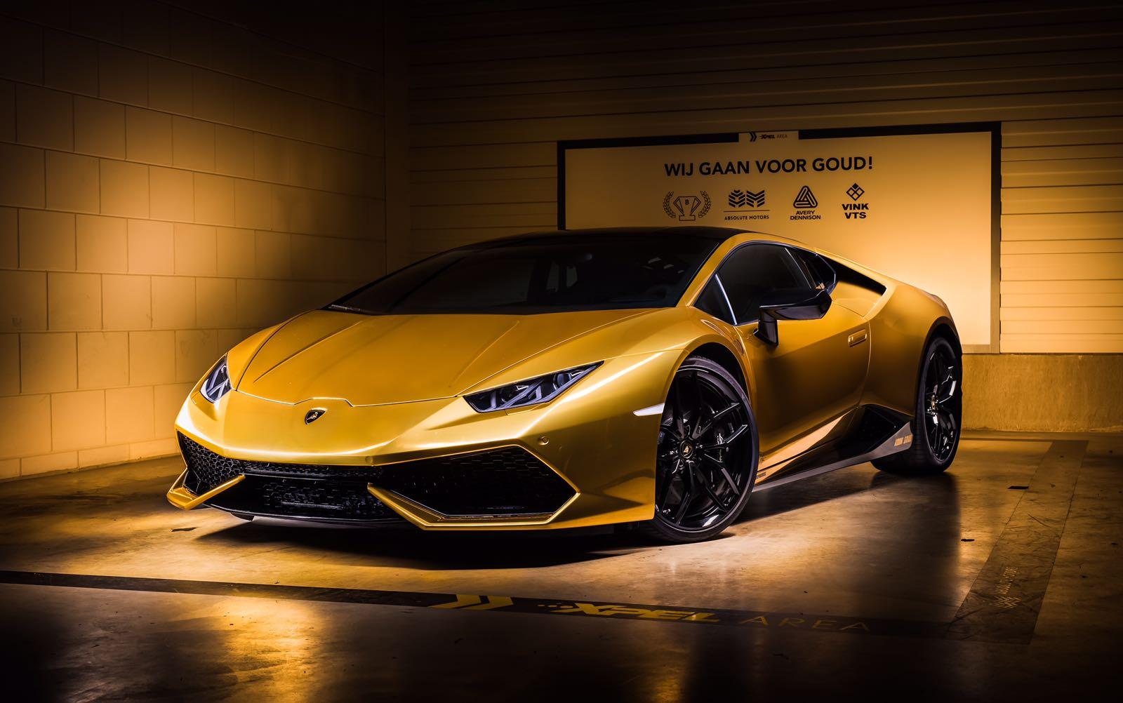 Joel Beukers Laat Z N Lamborghini Hur 225 Can Goud Wrappen Fhm