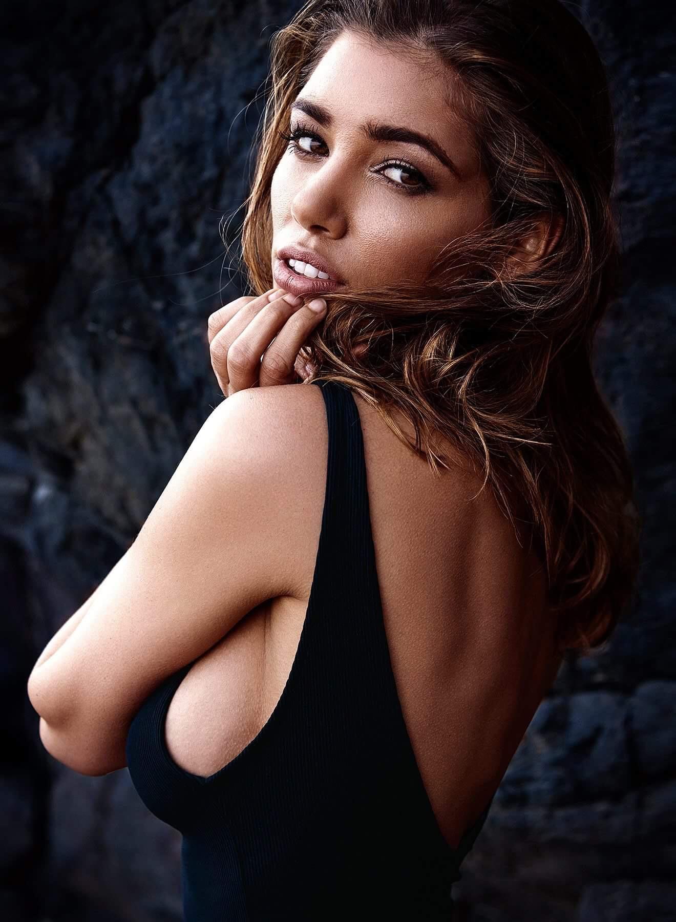 Daniela Degraux Nude Photos 26