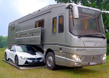 Garage Voor Camper : Miljoen kostende camper heeft een garage voor je supercar fhm