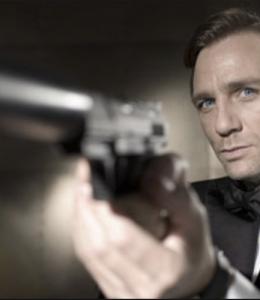 Daniel Craiq James Bond in 25 Bond