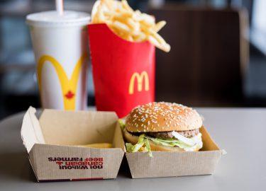Mcdonald S Viert 50e Verjaardag Big Mac Met Nieuw Betaalmiddel