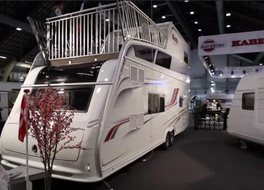 Onwijs Deze luxe caravan heeft een tweede verdieping en dakterras - FHM PU-67