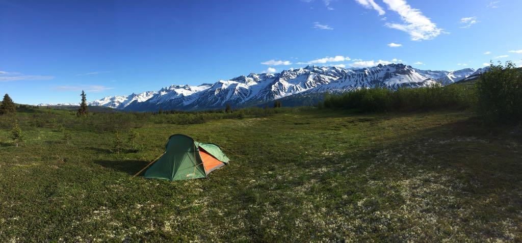 Sympathiek slaapplekje op m'n verjaardag vorig jaar. Nog steeds Alaska.