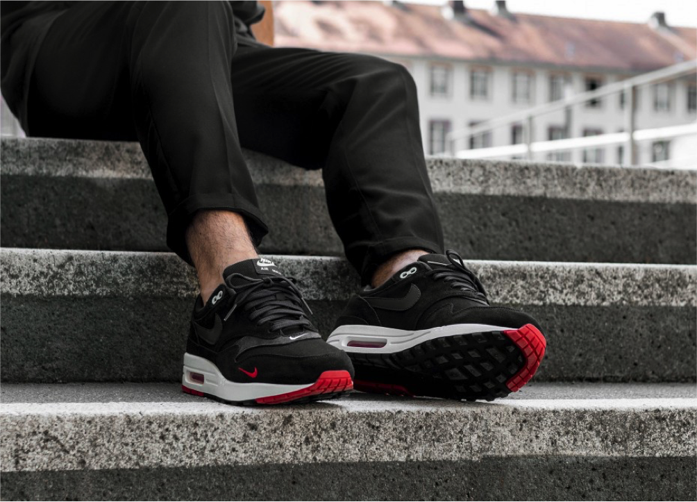Air Max 1 Premium Black Oil Grey University Red Sail 875844 007