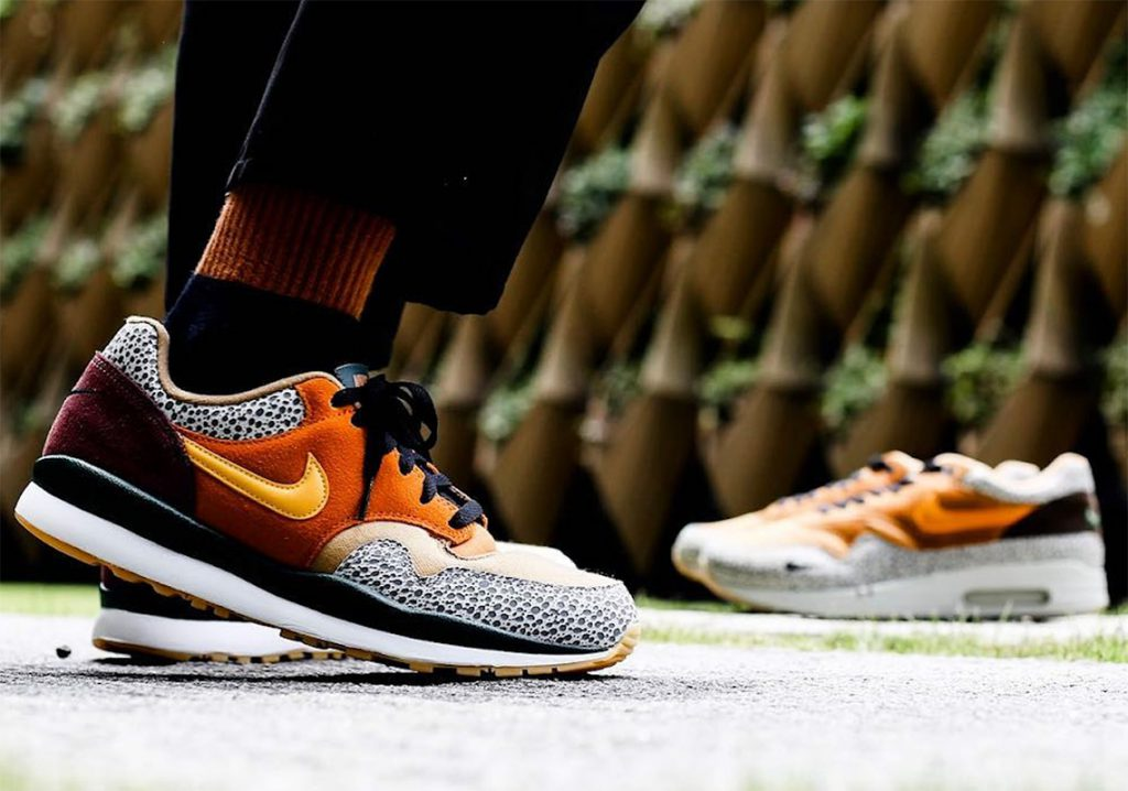 Nike Air Safari SE Monarch