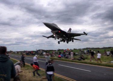 vliegtuigen straaljagers fly by's