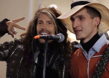 Aerosmith straatmuzikanten Steven Tyler