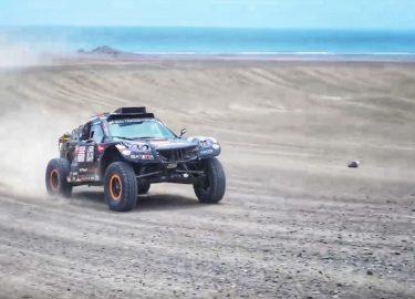 Dakar-auto Tim en Tom Corone;