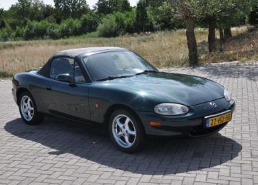 Mazda MX5 eerste tweedehands auto
