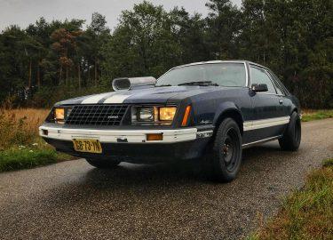 Ford Mustang eerste auto