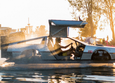 DMC DeLorean Hovercraft