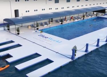 cruiseschip zwembad overbord