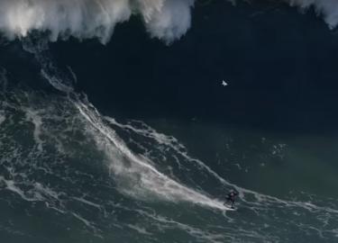 surfer hoogste golf wereldrecord