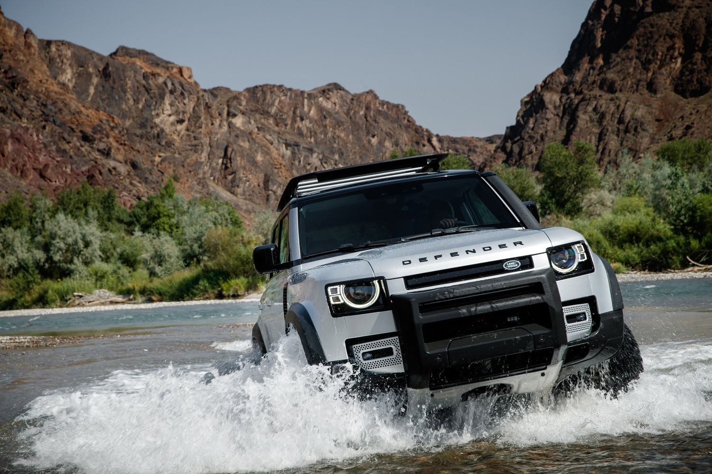 De iconische Land Rover Defender is vernieuwd en is beter dan ooit!